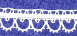Bedfordshire Lace sample with footside and 9-pin headside.